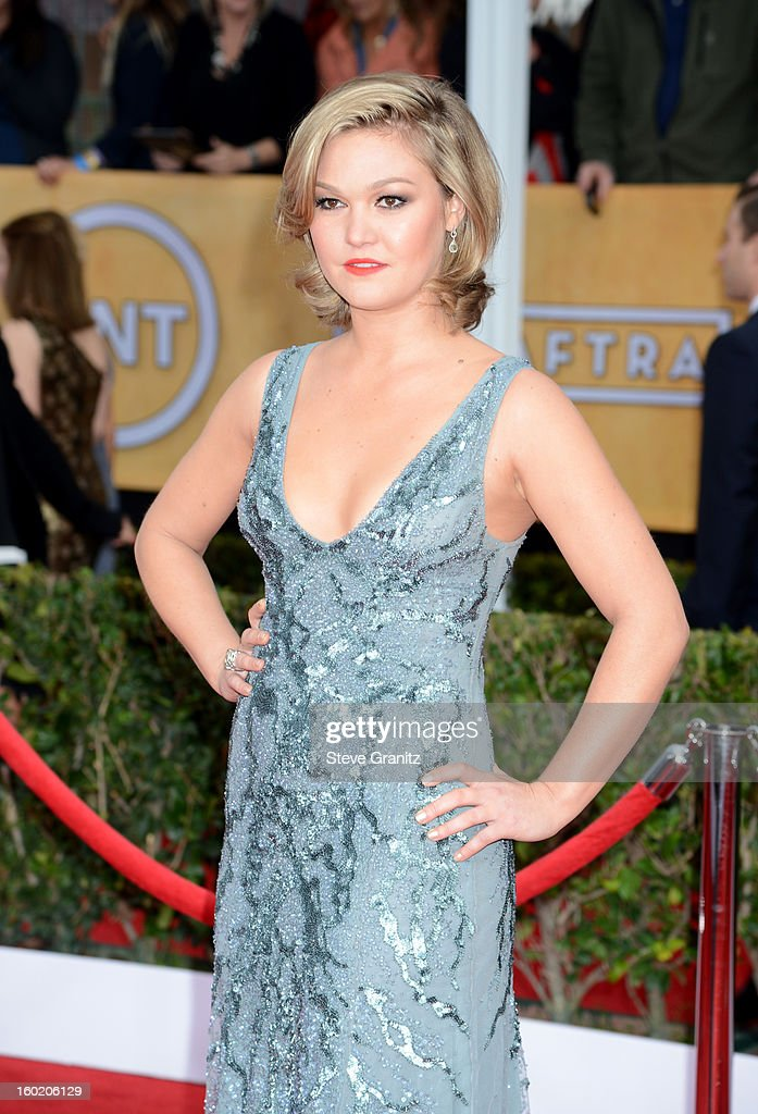Actress Julia Stiles arrives at the 19th Annual Screen Actors Guild Awards held at The Shrine Auditorium on January 27, 2013 in Los Angeles, California.