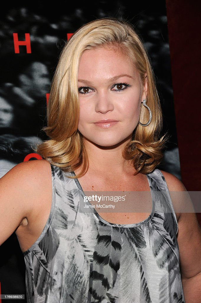 Actress <a gi-track='captionPersonalityLinkClicked' href=/galleries/search?phrase=Julia+Stiles&family=editorial&specificpeople=202217 ng-click='$event.stopPropagation()'>Julia Stiles</a> attends the 'Closed Circuit' screening at Tribeca Grand Hotel - Screening Room on August 19, 2013 in New York City.