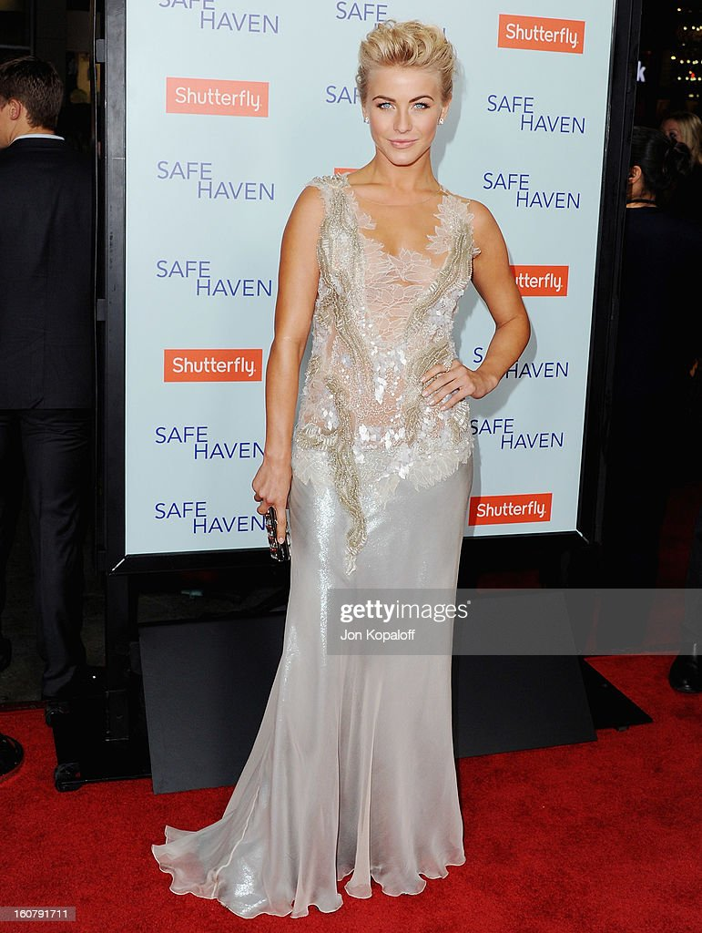 Actress <a gi-track='captionPersonalityLinkClicked' href=/galleries/search?phrase=Julianne+Hough&family=editorial&specificpeople=4237560 ng-click='$event.stopPropagation()'>Julianne Hough</a> arrives at the Los Angeles Premiere 'Safe Haven' at TCL Chinese Theatre on February 5, 2013 in Hollywood, California.