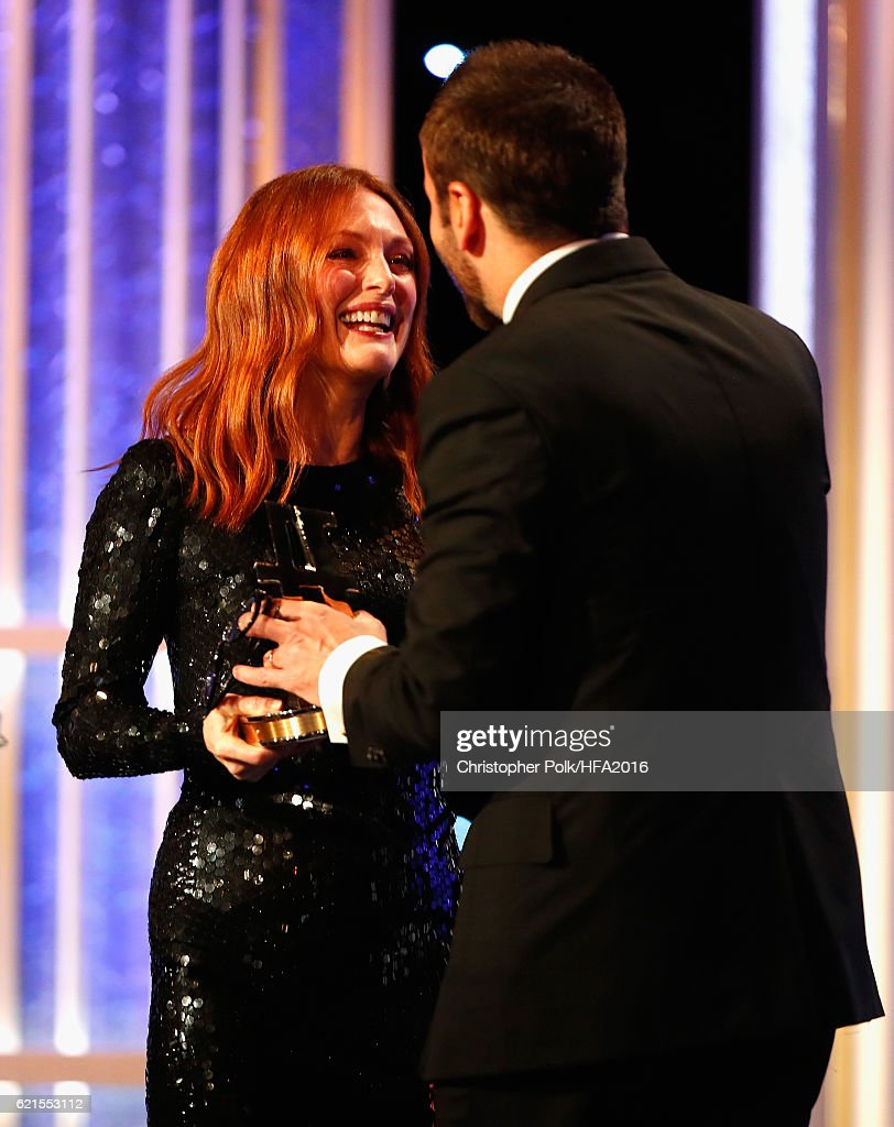 Fashion designer tom ford at the hollywood something or other awards - Actress Julianne Moore And Designer Tom Ford Attend The 20th Annual Hollywood Film Awards At The
