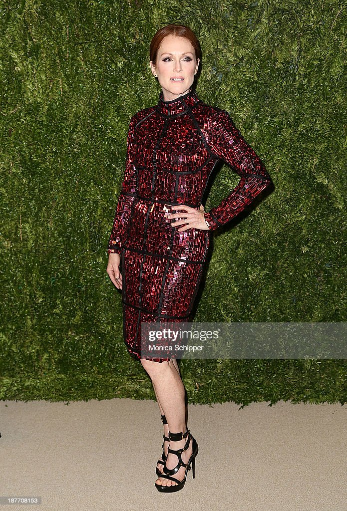 Actress <a gi-track='captionPersonalityLinkClicked' href=/galleries/search?phrase=Julianne+Moore&family=editorial&specificpeople=171555 ng-click='$event.stopPropagation()'>Julianne Moore</a> attends CFDA and Vogue 2013 Fashion Fund Finalists Celebration at Spring Studios on November 11, 2013 in New York City.?