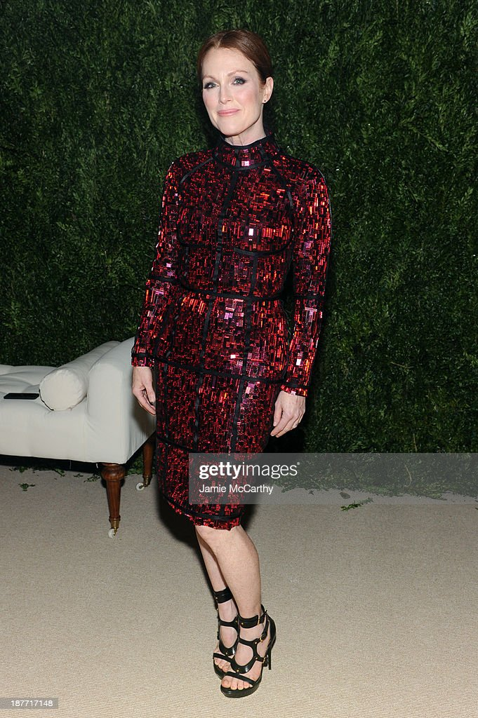 Actress <a gi-track='captionPersonalityLinkClicked' href=/galleries/search?phrase=Julianne+Moore&family=editorial&specificpeople=171555 ng-click='$event.stopPropagation()'>Julianne Moore</a> attends CFDA and Vogue 2013 Fashion Fund Finalists Celebration at Spring Studios on November 11, 2013 in New York City.