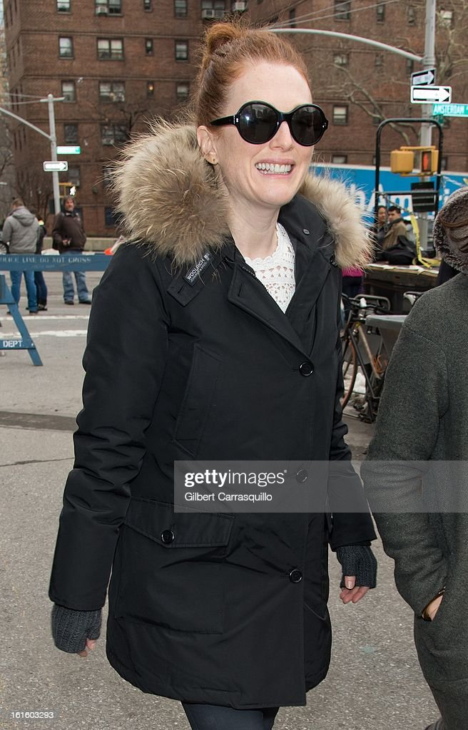 Actress <a gi-track='captionPersonalityLinkClicked' href=/galleries/search?phrase=Julianne+Moore&family=editorial&specificpeople=171555 ng-click='$event.stopPropagation()'>Julianne Moore</a> attends Fall 2013 Mercedes-Benz Fashion Show at The Theater at Lincoln Center on February 12, 2013 in New York City.