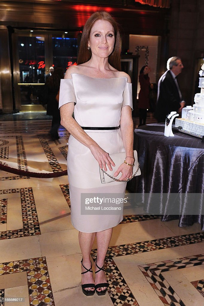 Actress <a gi-track='captionPersonalityLinkClicked' href=/galleries/search?phrase=Julianne+Moore&family=editorial&specificpeople=171555 ng-click='$event.stopPropagation()'>Julianne Moore</a> attends the 16th Annual ACE Awards presented by the Accessories Council at Cipriani 42nd Street on November 5, 2012 in New York City.