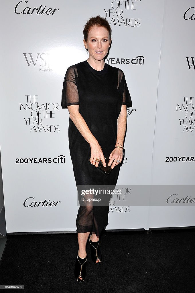 Actress <a gi-track='captionPersonalityLinkClicked' href=/galleries/search?phrase=Julianne+Moore&family=editorial&specificpeople=171555 ng-click='$event.stopPropagation()'>Julianne Moore</a> attends the 2012 WSJ. Magazine 'Innovator Of The Year' Awards at the Museum of Modern Art on October 18, 2012 in New York City.