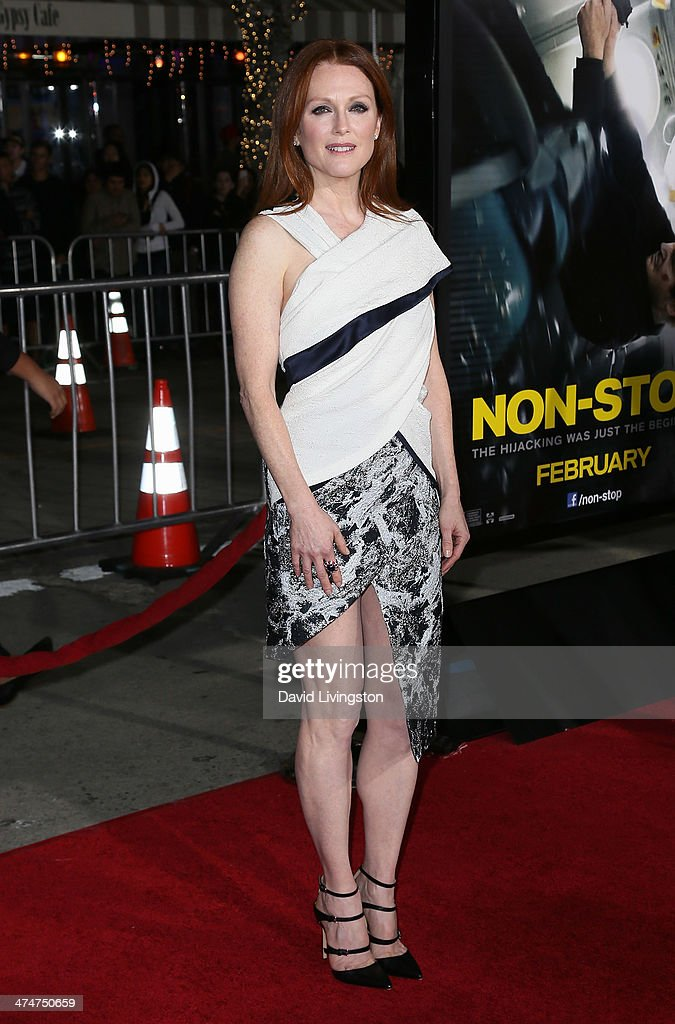Actress <a gi-track='captionPersonalityLinkClicked' href=/galleries/search?phrase=Julianne+Moore&family=editorial&specificpeople=171555 ng-click='$event.stopPropagation()'>Julianne Moore</a> attends the premiere of Universal Pictures and Studiocanal's 'Non-Stop' at the Regency Village Theatre on February 24, 2014 in Westwood, California.
