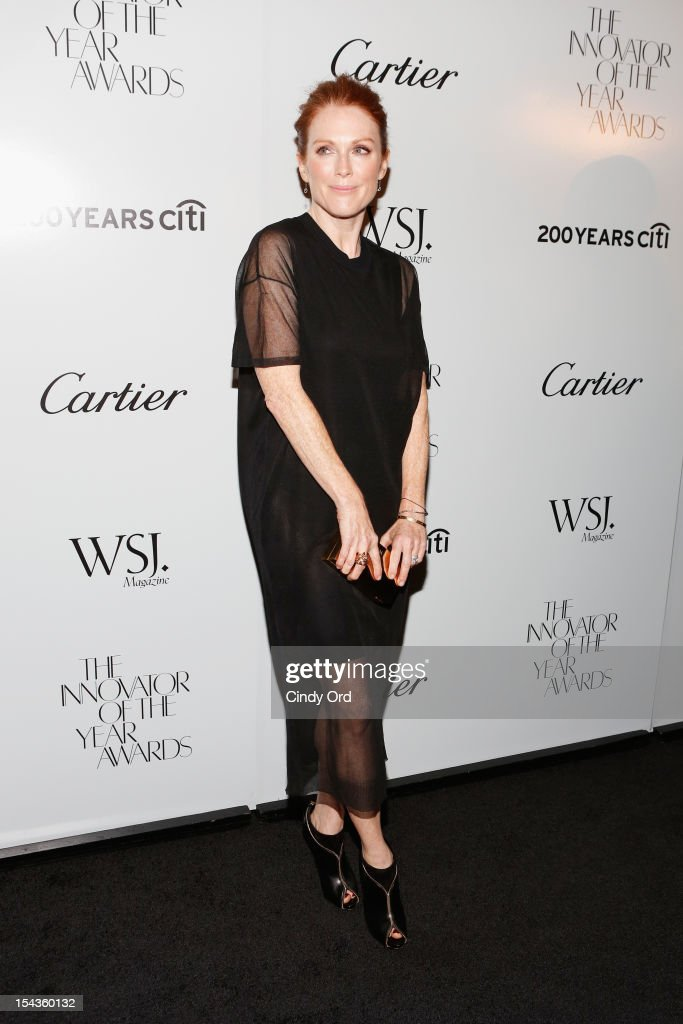 Actress <a gi-track='captionPersonalityLinkClicked' href=/galleries/search?phrase=Julianne+Moore&family=editorial&specificpeople=171555 ng-click='$event.stopPropagation()'>Julianne Moore</a> attends WSJ. Magazine's 'Innovator Of The Year' Awards at MOMA on October 18, 2012 in New York City.