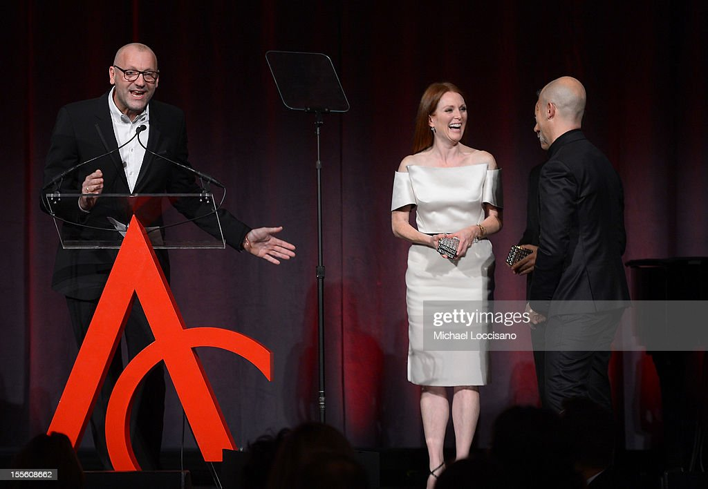 Actress <a gi-track='captionPersonalityLinkClicked' href=/galleries/search?phrase=Julianne+Moore&family=editorial&specificpeople=171555 ng-click='$event.stopPropagation()'>Julianne Moore</a> (C) presents the award for Designer of the Year to Ulrich Grimm (L), Francisco Costa, and <a gi-track='captionPersonalityLinkClicked' href=/galleries/search?phrase=Italo+Zucchelli&family=editorial&specificpeople=571545 ng-click='$event.stopPropagation()'>Italo Zucchelli</a> at the 16th Annual ACE Awards presented by the Accessories Council at Cipriani 42nd Street on November 5, 2012 in New York City.