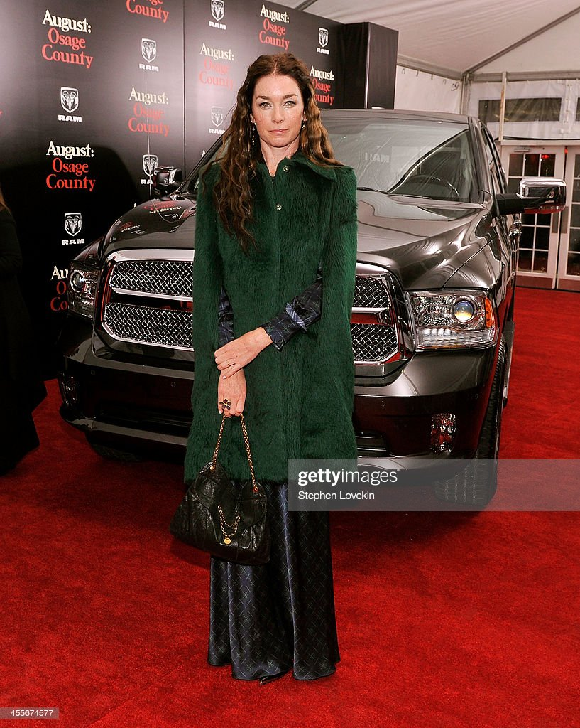 Actress <a gi-track='captionPersonalityLinkClicked' href=/galleries/search?phrase=Julianne+Nicholson&family=editorial&specificpeople=757237 ng-click='$event.stopPropagation()'>Julianne Nicholson</a> attends 'August: Osage County' Premiere NYC sponsored by Ram at Ziegfeld Theatre on December 12, 2013 in New York City.
