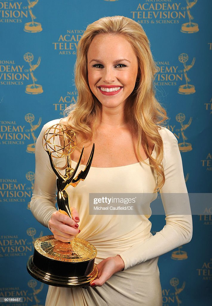 Actress Julie Berman poses for a portrait at the 36th Annual Daytime Emmy Awards at The Orpheum Theatre on August 30, 2009 in Los Angeles, California.