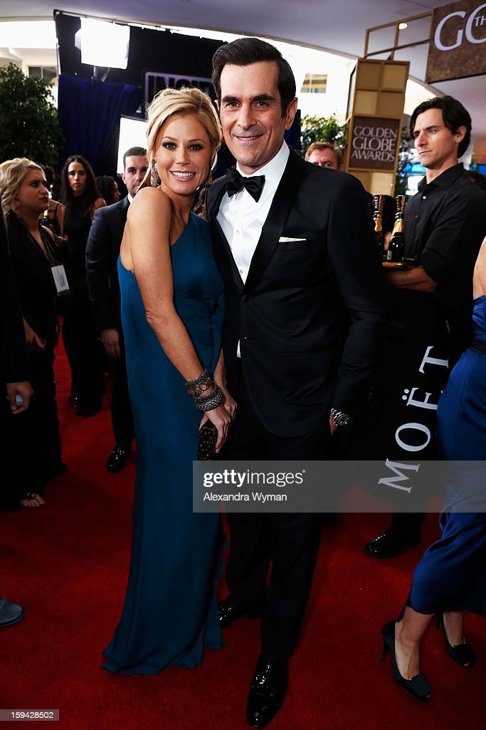 Actress <a gi-track='captionPersonalityLinkClicked' href=/galleries/search?phrase=Julie+Bowen&family=editorial&specificpeople=244057 ng-click='$event.stopPropagation()'>Julie Bowen</a> (L) and actor <a gi-track='captionPersonalityLinkClicked' href=/galleries/search?phrase=Ty+Burrell&family=editorial&specificpeople=700077 ng-click='$event.stopPropagation()'>Ty Burrell</a> arrive at the 70th Annual Golden Globe Awards held at The Beverly Hilton Hotel on January 13, 2013 in Beverly Hills, California.