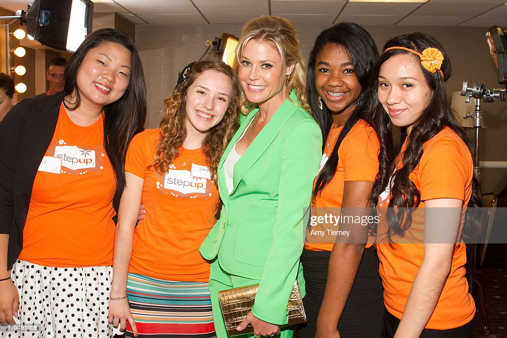Actress <a gi-track='captionPersonalityLinkClicked' href=/galleries/search?phrase=Julie+Bowen&family=editorial&specificpeople=244057 ng-click='$event.stopPropagation()'>Julie Bowen</a> (C) and Step Up teen students attend Step Up Women's Network's 10th Annual Inspiration Awards at The Beverly Hilton Hotel on May 31, 2013 in Beverly Hills, California.