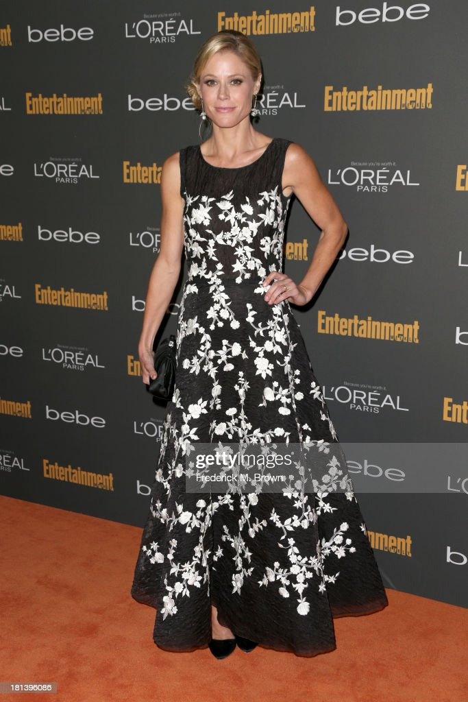 Actress <a gi-track='captionPersonalityLinkClicked' href=/galleries/search?phrase=Julie+Bowen&family=editorial&specificpeople=244057 ng-click='$event.stopPropagation()'>Julie Bowen</a> arrives at Entertainment Weekly's Pre-Emmy Party at Fig & Olive Melrose Place on September 20, 2013 in West Hollywood, California.