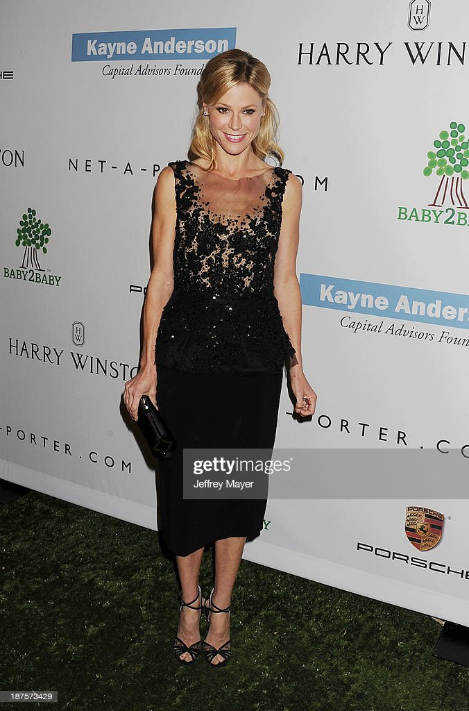 Actress Julie Bowen arrives at the 2nd Annual Baby2Baby Gala at The Book Bindery on November 9, 2013 in Culver City, California.