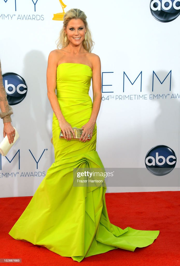 Actress <a gi-track='captionPersonalityLinkClicked' href=/galleries/search?phrase=Julie+Bowen&family=editorial&specificpeople=244057 ng-click='$event.stopPropagation()'>Julie Bowen</a> arrives at the 64th Annual Primetime Emmy Awards at Nokia Theatre L.A. Live on September 23, 2012 in Los Angeles, California.