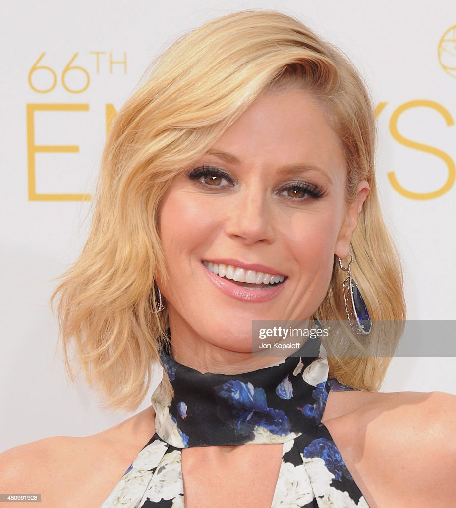 Actress <a gi-track='captionPersonalityLinkClicked' href=/galleries/search?phrase=Julie+Bowen&family=editorial&specificpeople=244057 ng-click='$event.stopPropagation()'>Julie Bowen</a> arrives at the 66th Annual Primetime Emmy Awards at Nokia Theatre L.A. Live on August 25, 2014 in Los Angeles, California.