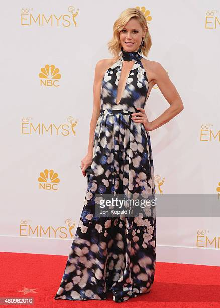Actress Julie Bowen arrives at the 66th Annual Primetime Emmy Awards at Nokia Theatre LA Live on August 25 2014 in Los Angeles California