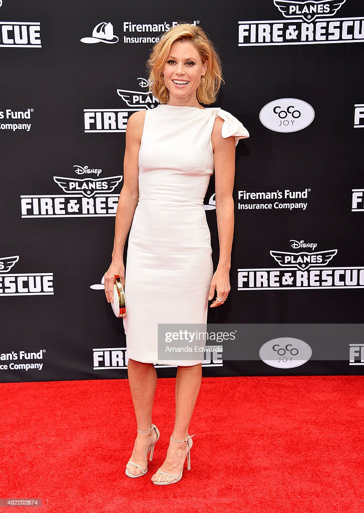 Actress <a gi-track='captionPersonalityLinkClicked' href=/galleries/search?phrase=Julie+Bowen&family=editorial&specificpeople=244057 ng-click='$event.stopPropagation()'>Julie Bowen</a> arrives at the Los Angeles premiere of Disney's 'Planes: Fire & Rescue' at the El Capitan Theatre on July 15, 2014 in Hollywood, California.
