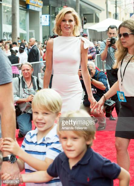 Actress Julie Bowen arrives at the Los Angeles premiere of Disney's 'Planes Fire Rescue' at the El Capitan Theatre on July 15 2014 in Hollywood...