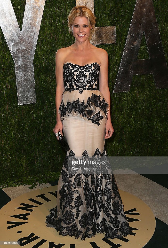 Actress Julie Bowen attends the 2013 Vanity Fair Oscar Party at the Sunset Tower Hotel on February 24, 2013 in West Hollywood, California.