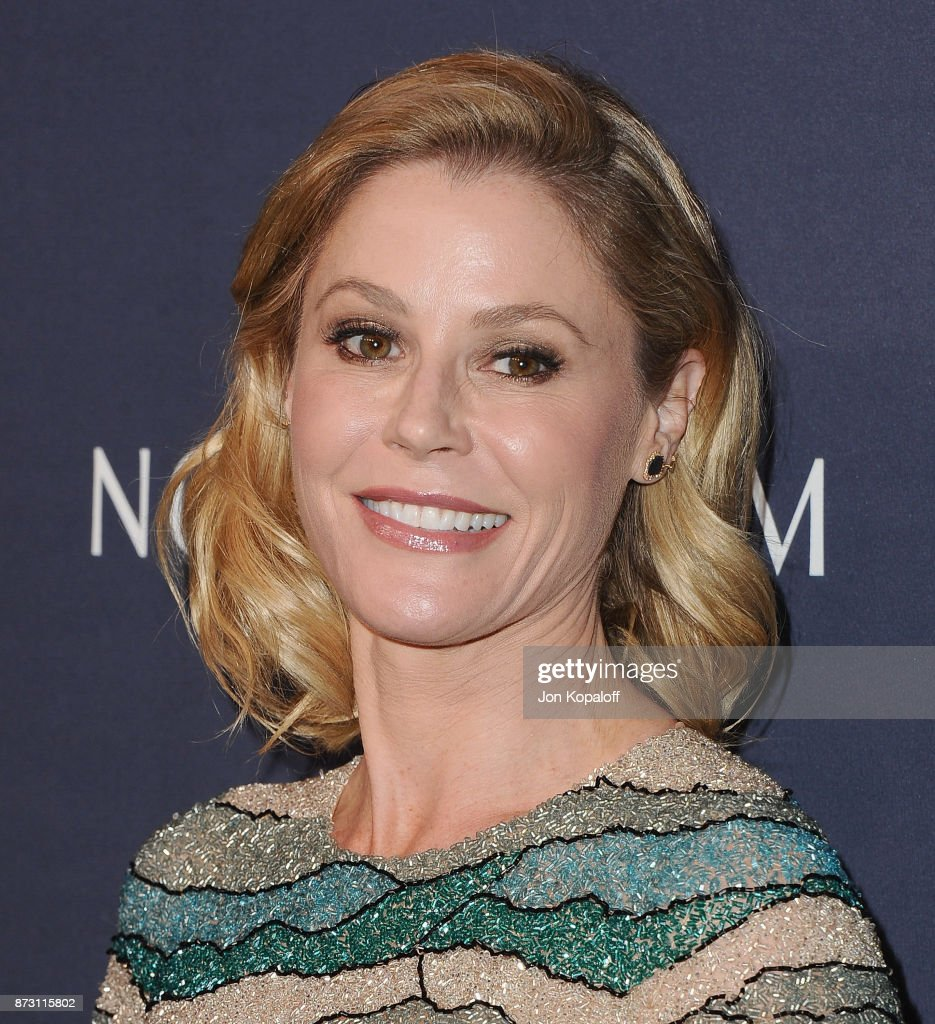 Actress Julie Bowen attends the 2017 Baby2Baby Gala at 3LABS on November 11, 2017 in Culver City, California.