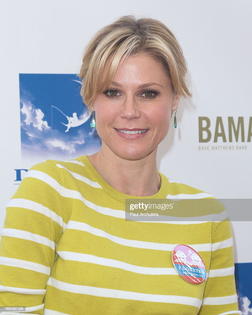 Actress <a gi-track='captionPersonalityLinkClicked' href=/galleries/search?phrase=Julie+Bowen&family=editorial&specificpeople=244057 ng-click='$event.stopPropagation()'>Julie Bowen</a> attends the 4th annual Milk+Bookies story time celebration at The Skirball Cultural Center on March 10, 2013 in Los Angeles, California.