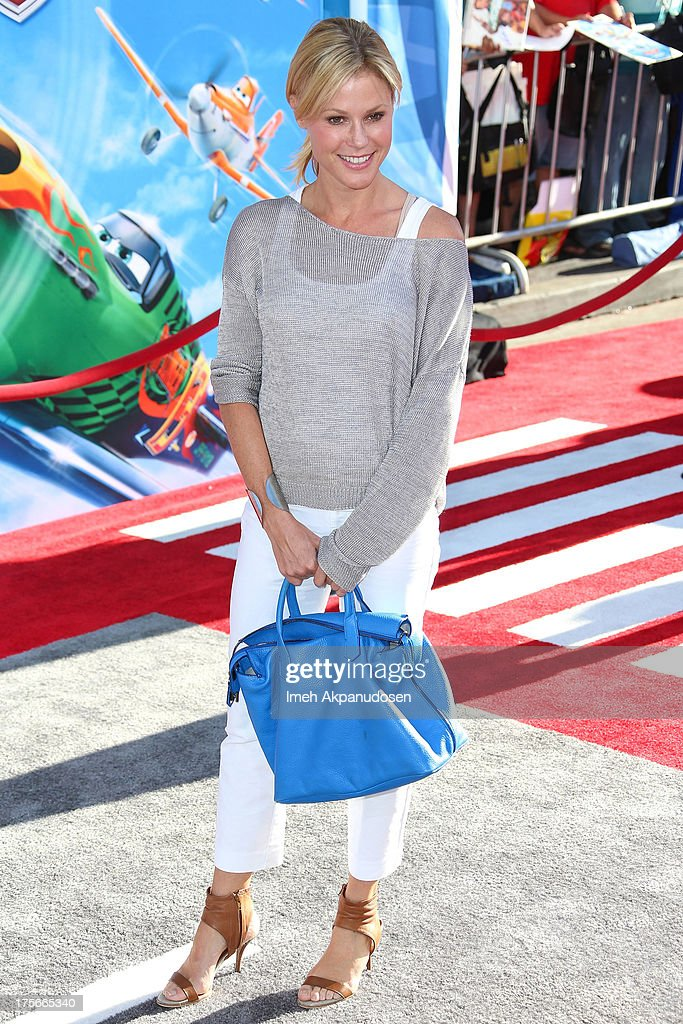 Actress <a gi-track='captionPersonalityLinkClicked' href=/galleries/search?phrase=Julie+Bowen&family=editorial&specificpeople=244057 ng-click='$event.stopPropagation()'>Julie Bowen</a> attends the premiere of Disney's 'Planes' at the El Capitan Theatre on August 5, 2013 in Hollywood, California.