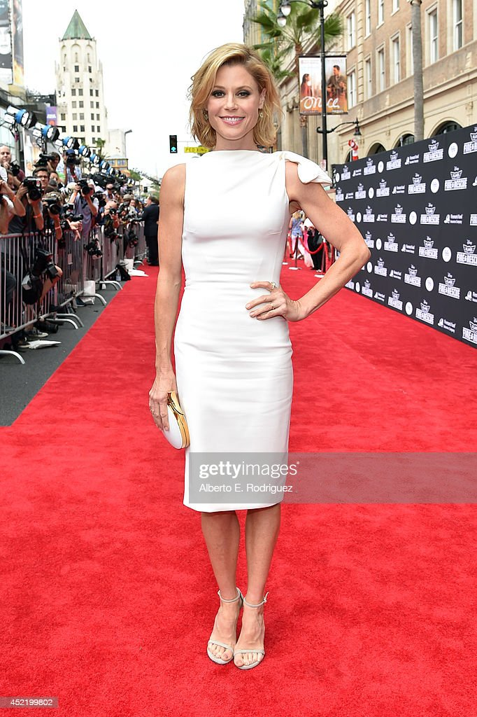 Actress <a gi-track='captionPersonalityLinkClicked' href=/galleries/search?phrase=Julie+Bowen&family=editorial&specificpeople=244057 ng-click='$event.stopPropagation()'>Julie Bowen</a> attends World Premiere Of Disney's 'Planes: Fire & Rescue' at the El Capitan Theatre on July 15, 2014 in Hollywood, California.
