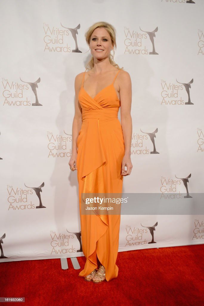 Actress <a gi-track='captionPersonalityLinkClicked' href=/galleries/search?phrase=Julie+Bowen&family=editorial&specificpeople=244057 ng-click='$event.stopPropagation()'>Julie Bowen</a> poses in the press room during the 2013 WGAw Writers Guild Awards at JW Marriott Los Angeles at L.A. LIVE on February 17, 2013 in Los Angeles, California.