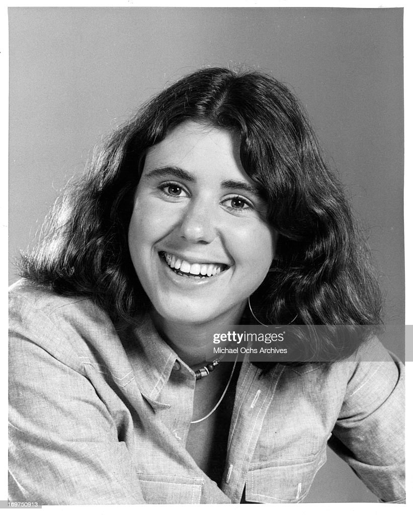 Actress <a gi-track='captionPersonalityLinkClicked' href=/galleries/search?phrase=Julie+Kavner&family=editorial&specificpeople=1545588 ng-click='$event.stopPropagation()'>Julie Kavner</a> poses for a portrait in circa 1978.