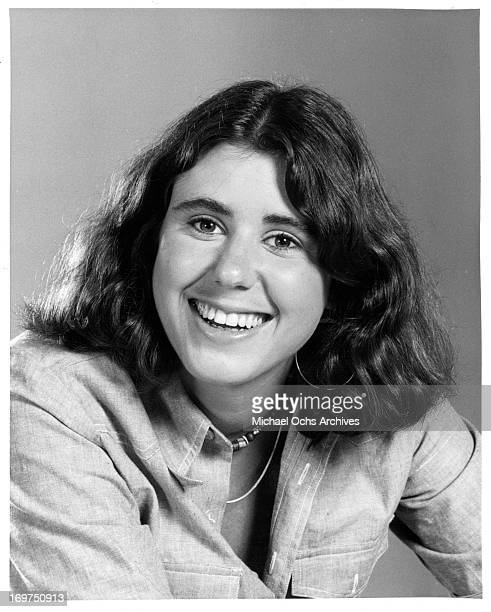 Actress Julie Kavner poses for a portrait in circa 1978