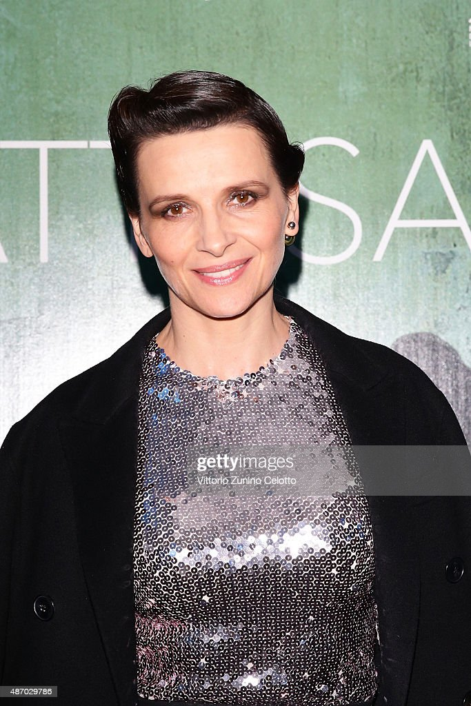 Actress <a gi-track='captionPersonalityLinkClicked' href=/galleries/search?phrase=Juliette+Binoche&family=editorial&specificpeople=209273 ng-click='$event.stopPropagation()'>Juliette Binoche</a> attends a cocktail reception for 'The Wait' hosted by Tiffany & Co. during the 72nd Venice Film Festival at Terrazza Biennale on September 5, 2015 in Venice, Italy.