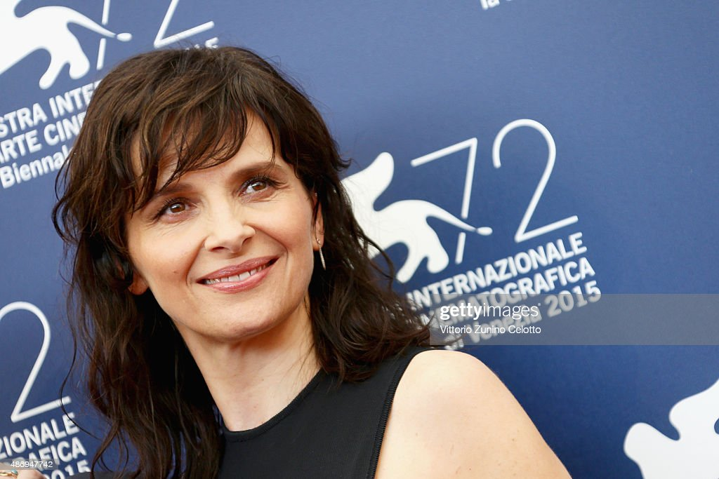 Actress <a gi-track='captionPersonalityLinkClicked' href=/galleries/search?phrase=Juliette+Binoche&family=editorial&specificpeople=209273 ng-click='$event.stopPropagation()'>Juliette Binoche</a> attends a photocall for 'The Wait' during the 72nd Venice Film Festival at Palazzo del Casino on September 5, 2015 in Venice, Italy.