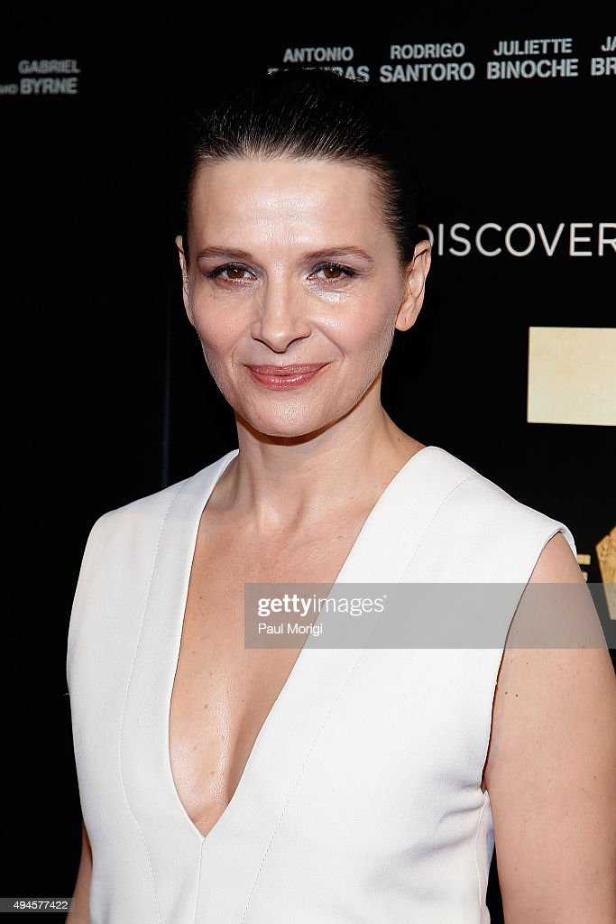 Actress Juliette Binoche attends 'The 33' Washington DC Premiere at The Newseum on October 27, 2015 in Washington, DC.