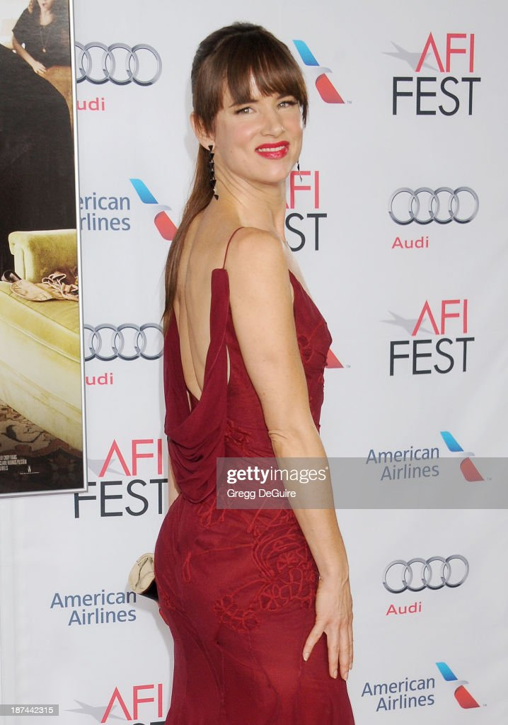 Actress <a gi-track='captionPersonalityLinkClicked' href=/galleries/search?phrase=Juliette+Lewis&family=editorial&specificpeople=202873 ng-click='$event.stopPropagation()'>Juliette Lewis</a> arrives at the AFI FEST 2013 Gala Screening of 'August: Osage County' at TCL Chinese Theatre on November 8, 2013 in Hollywood, California.