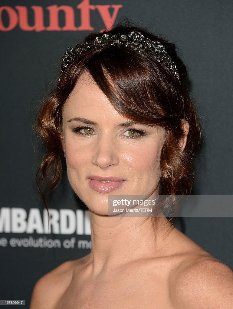 Actress Juliette Lewis arrives at the premiere of The Weinstein Company's 'August: Osage County' at Regal Cinemas L.A. Live on December 16, 2013 in Los Angeles, California.