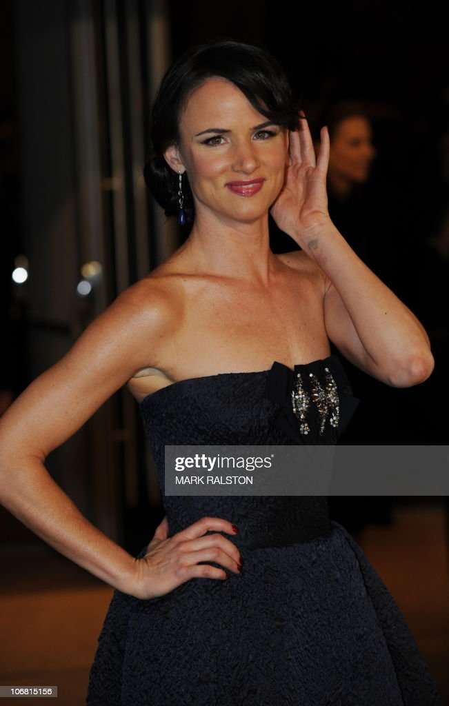 Actress Juliette Lewis arrives on the red carpet for the 2010 Oscars Governors Ball at the Hollywood and Highland Center in Hollywood on November 13, 2010. AFP PHOTO/Mark RALSTON