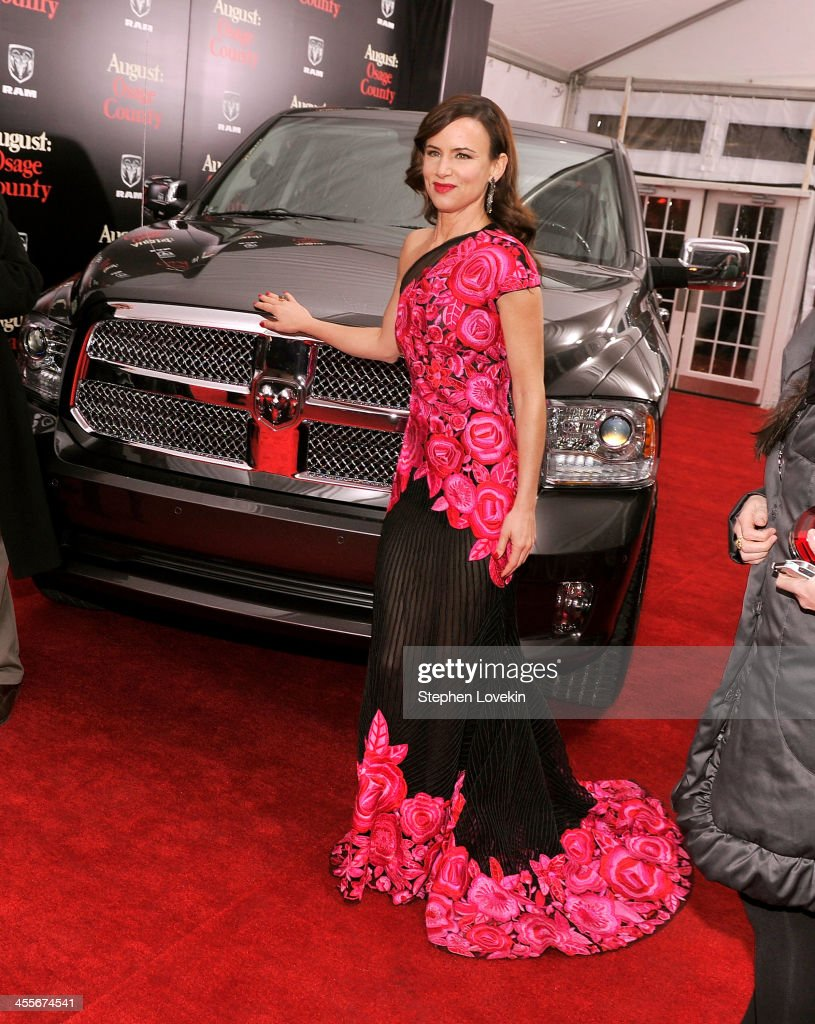 Actress <a gi-track='captionPersonalityLinkClicked' href=/galleries/search?phrase=Juliette+Lewis&family=editorial&specificpeople=202873 ng-click='$event.stopPropagation()'>Juliette Lewis</a> attends 'August: Osage County' New York Ciity premiere sponsored by Ram at Ziegfeld Theatre on December 12, 2013 in New York City.