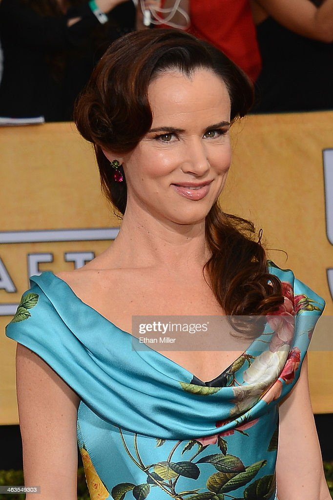 Actress <a gi-track='captionPersonalityLinkClicked' href=/galleries/search?phrase=Juliette+Lewis&family=editorial&specificpeople=202873 ng-click='$event.stopPropagation()'>Juliette Lewis</a> attends the 20th Annual Screen Actors Guild Awards at The Shrine Auditorium on January 18, 2014 in Los Angeles, California.
