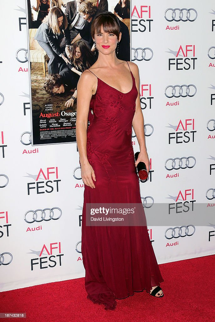 Actress <a gi-track='captionPersonalityLinkClicked' href=/galleries/search?phrase=Juliette+Lewis&family=editorial&specificpeople=202873 ng-click='$event.stopPropagation()'>Juliette Lewis</a> attends the AFI FEST 2013 presented by Audi premiere of The Weinstein Company's 'August: Osage County' at the TCL Chinese Theatre on November 8, 2013 in Hollywood, California.