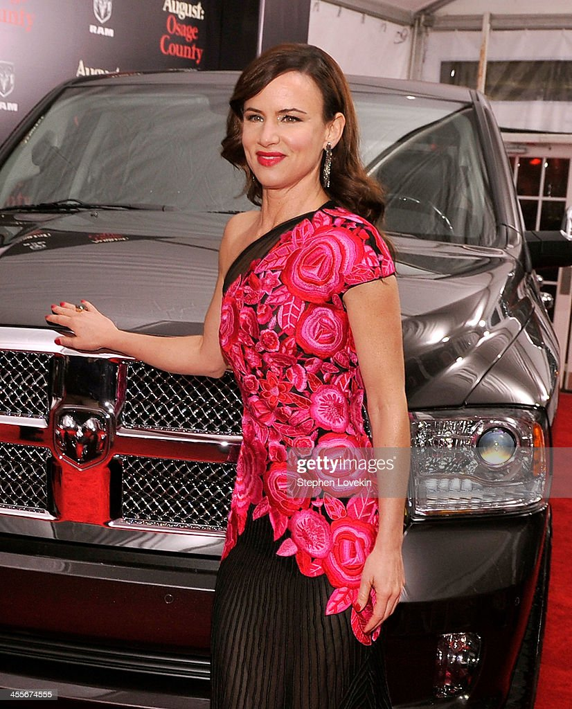 Actress <a gi-track='captionPersonalityLinkClicked' href=/galleries/search?phrase=Juliette+Lewis&family=editorial&specificpeople=202873 ng-click='$event.stopPropagation()'>Juliette Lewis</a> attends the 'August: Osage County' New York Ciity premiere sponsored by Ram at Ziegfeld Theatre on December 12, 2013 in New York City.