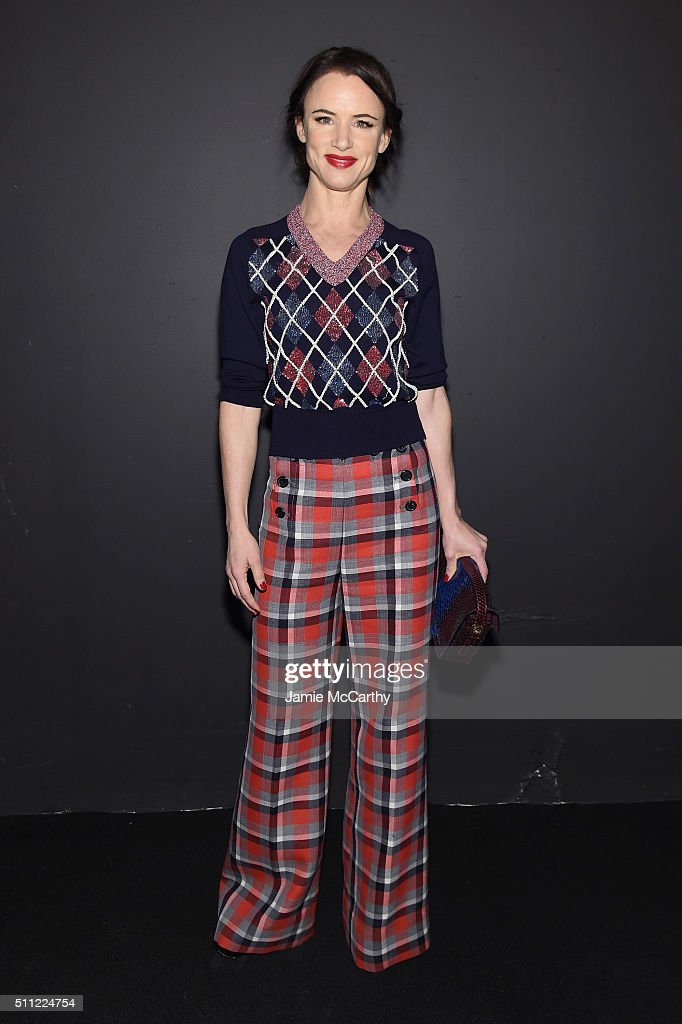 Actress Juliette Lewis attends the Marc Jacobs Fall 2016 fashion show during New York Fashion Week at Park Avenue Armory on February 18, 2016 in New York City.