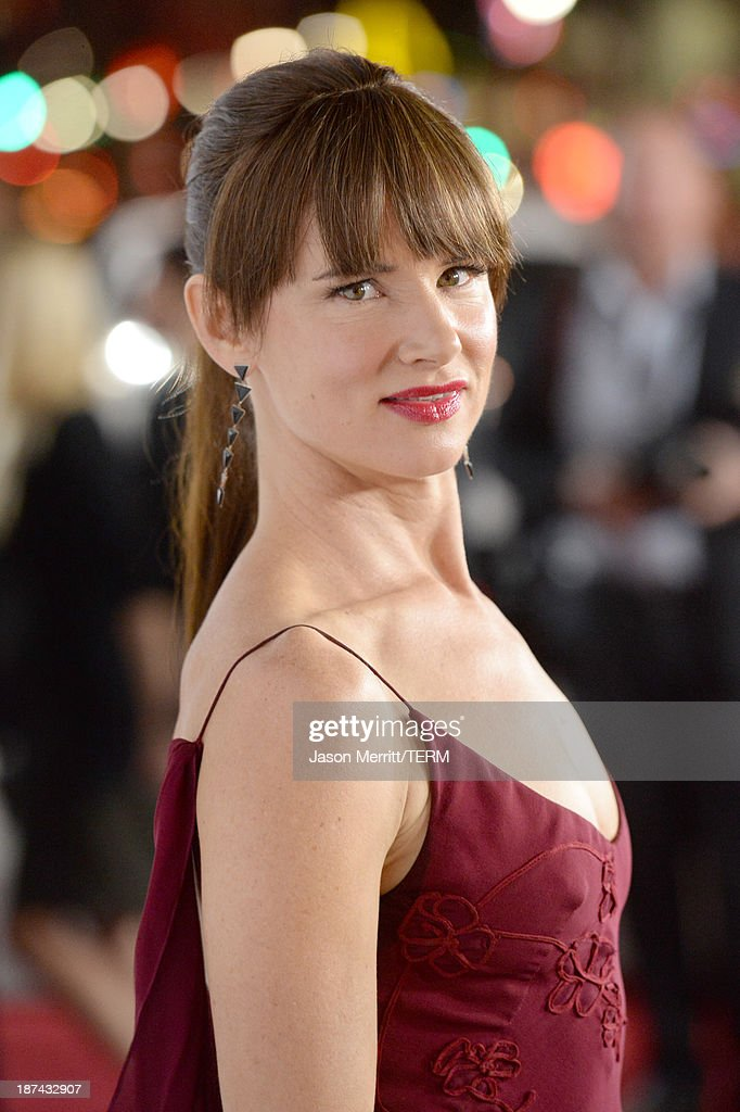 Actress <a gi-track='captionPersonalityLinkClicked' href=/galleries/search?phrase=Juliette+Lewis&family=editorial&specificpeople=202873 ng-click='$event.stopPropagation()'>Juliette Lewis</a> attends the premiere of The Weinstein Company's 'August: Osage County' during AFI FEST 2013 presented by Audi at TCL Chinese Theatre on November 8, 2013 in Hollywood, California.