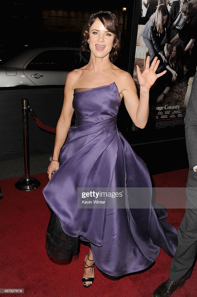 Actress <a gi-track='captionPersonalityLinkClicked' href=/galleries/search?phrase=Juliette+Lewis&family=editorial&specificpeople=202873 ng-click='$event.stopPropagation()'>Juliette Lewis</a> attends the premiere of The Weinstein Company's 'August: Osage County' at Regal Cinemas L.A. Live on December 16, 2013 in Los Angeles, California.