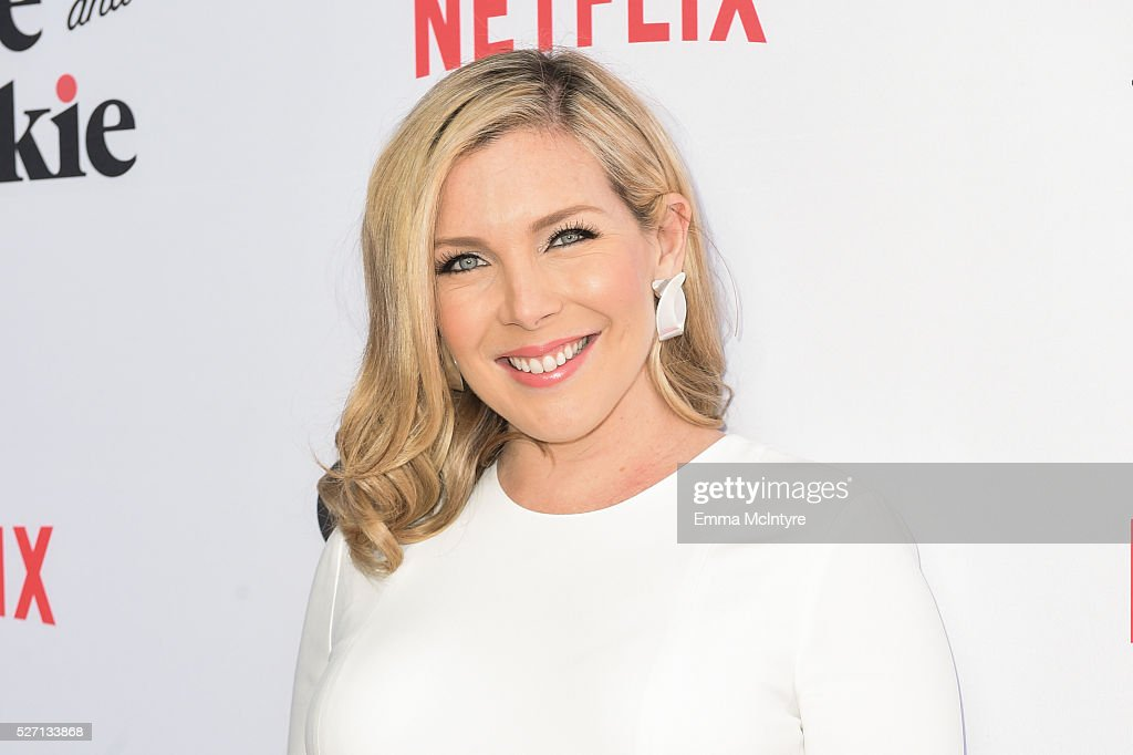 Actress <a gi-track='captionPersonalityLinkClicked' href=/galleries/search?phrase=June+Diane+Raphael&family=editorial&specificpeople=5923890 ng-click='$event.stopPropagation()'>June Diane Raphael</a> arrives at the Netflix Original Series 'Grace & Frankie' Season 2 premiere at Harmony Gold on May 1, 2016 in Los Angeles, California.