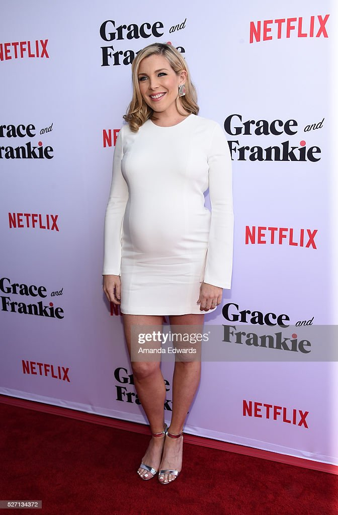Actress <a gi-track='captionPersonalityLinkClicked' href=/galleries/search?phrase=June+Diane+Raphael&family=editorial&specificpeople=5923890 ng-click='$event.stopPropagation()'>June Diane Raphael</a> arrives at the Netflix Original Series 'Grace & Frankie' Season 2 premiere at the Harmony Gold Theater on May 1, 2016 in Los Angeles, California.