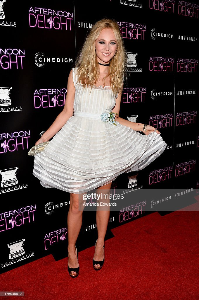 Actress <a gi-track='captionPersonalityLinkClicked' href=/galleries/search?phrase=Juno+Temple&family=editorial&specificpeople=4692912 ng-click='$event.stopPropagation()'>Juno Temple</a> arrrives at the Los Angeles premiere of 'Afternoon Delight' at ArcLight Hollywood on August 19, 2013 in Hollywood, California.