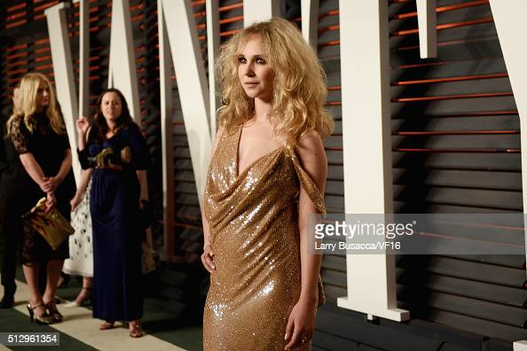 Actress Juno Temple attends the 2016 Vanity Fair Oscar Party Hosted By Graydon Carter at the Wallis Annenberg Center for the Performing Arts on...