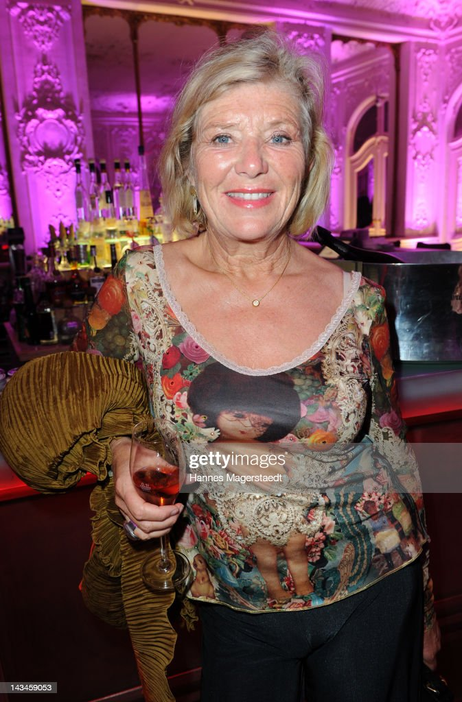 Actress <a gi-track='captionPersonalityLinkClicked' href=/galleries/search?phrase=Jutta+Speidel&family=editorial&specificpeople=628663 ng-click='$event.stopPropagation()'>Jutta Speidel</a> attends the ARTDECO Art Couture Collection at Bayerischer Hof on April 26, 2012 in Munich, Germany.