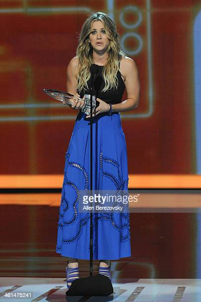 Actress Kaley Cuoco accepts the Favorite Comedic TV Actress award for 'The Big Bang Theory' onstage at The 40th Annual People's Choice Awards show at...